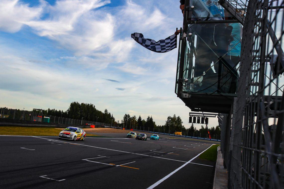 B-Tuning Pro Racing Team: победа Ганина и подиумы Севастьянова и Буйлова на Moscow Raceway